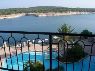 Luxury Villa on Private Island on Lake Travis, Lago Vista