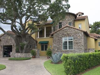 Luxurious Ski-Lake Pool Home-Shopping-Restaurants, Winter Park