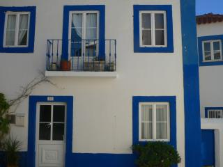 wonderful town house walking distance to beach, São Martinho do Porto