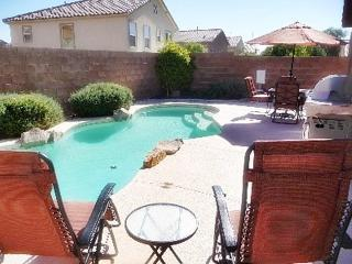 Desirable Quiet Home with Swimming Pool, North Las Vegas