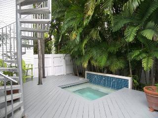 A Zen Ocean Garden - Ocean View Condo, Key West