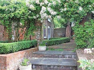 YEW TREE COTTAGE, Petersfield