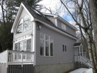 Sandy Beach-Front Home w/Optional Bunk House!, Center Ossipee