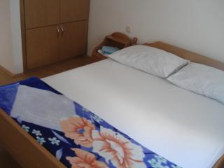 11261 - Cosy Apartment 200 met, Novalja