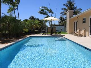 FLORIDAY HOME. Waterfront. Pool. Great location!, Fort Lauderdale