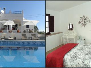 Casa Colina, Bed & Breakfast Comares, Almond Suite