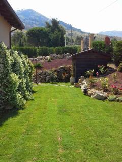 giardino col prato inglese