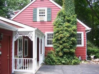 Beautiful Large Cottage, Off Season reduced rates, South Haven
