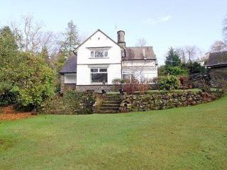 CORNER COTTAGE, Windermere