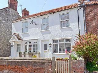 LITTLE COTTAGE, Sheringham