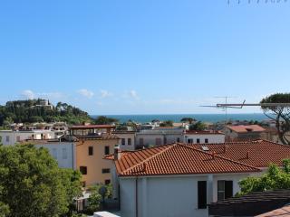 Attico Bella Vista - WI FI - beach nearby, Formia