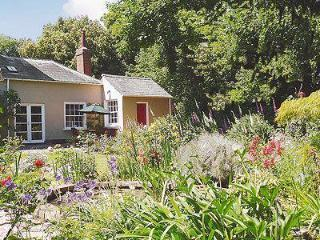 MULBERRY COTTAGE, Lymington