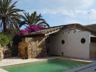 Charming village house, Santanyí