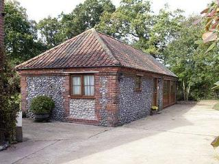 ORCHARD COTTAGE, Sheringham