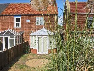 SNOWDROP COTTAGE, Winterton-on-Sea