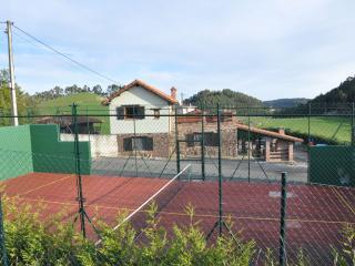 FINDE 320 EUROS 8 per CON PISTA PRIVADA DE PADEL, Asturias