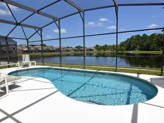 Stunning Lake View /Games Room / WiFi /Near Disney