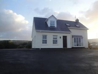 Barley Corn House on Wild Atlantic Way with golf nearby in Dunfanaghy