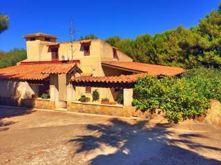 villa con giardino e grande veranda coperta, Ribera