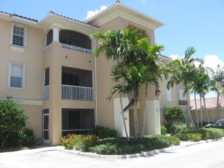 AUGUST and SEPTEMBER 2015 $1300 2 bed, Cape Coral