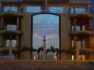 Ocean Front Luxury Condo, Crucita