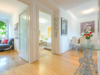 2-Bedroom Vrtača - Fine Ljubljana Apartments, Liubliana