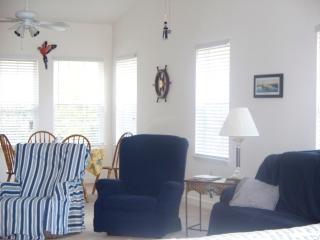 Welcome! Pawleys Island! Elegant but Shabby