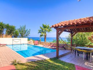 Seaview Villas (Villa Avra) - 300 m to the Beach!, Rethymnon