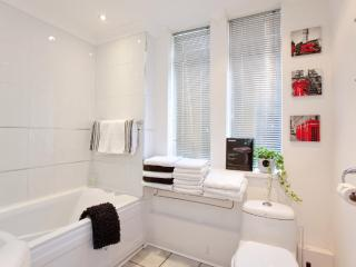 Bath/shower room with plenty of clean towels provided