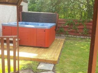 Enclosed, private garden now complete with hot tub!