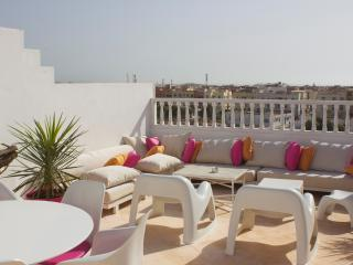 Splendid flat with roofterrace, Esauira