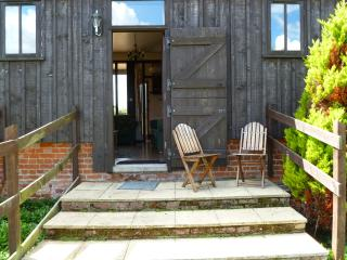 Grove Barn Cottage Cosy rural barn conversion in Broads National Park