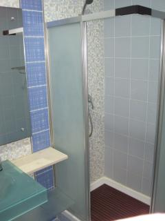 Shower room for twin rooms
