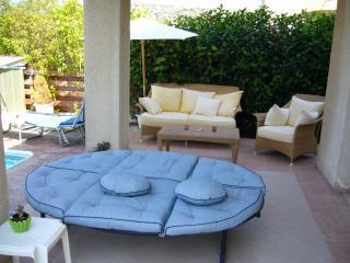 Villa Sofia. Pool & Lounge area