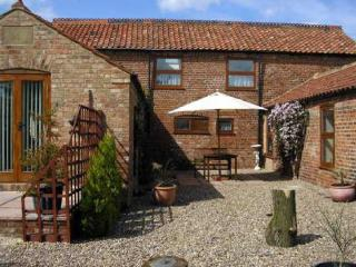 2 bedroom Wolds View Cottage at Kents Farm WiFi Dogs welcome,Book with owner