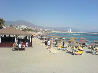 Castillo Duquesa beach