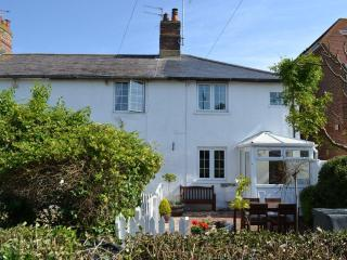 dog friendly, 2, bedroom cottage in Angmering on Sea, East Preston, West Sussex.