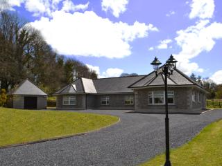 Holiday home Tipperary with all weather Hot Tub.