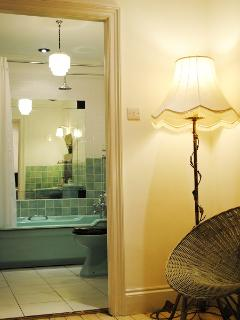 Your Art Deco bathroom en suite