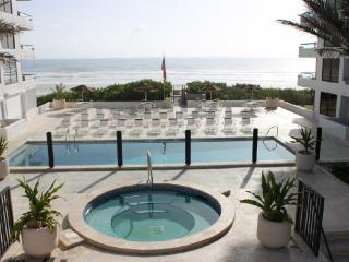 Family Beach Vacation - Best Value!, New Smyrna Beach