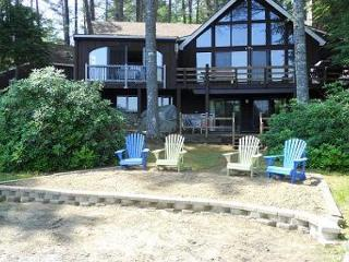 Winnipesaukee Wtrfront For 12 w/SAND BEACH, Moultonborough