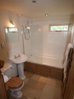 The Heritage bathroom suite
