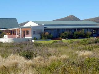 Magnificent views of mountains,sea and fynbos near Hermanus, Western Cape