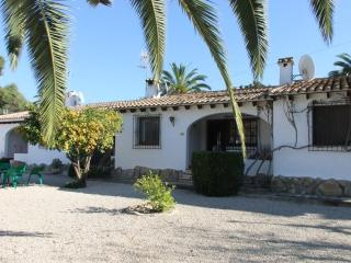 MJ00066 -  Lovely 2 Bed Villa close to Moraira center