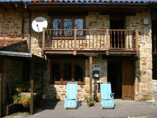 cottage close to the coast, Entrambasaguas