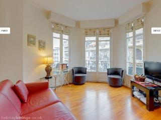 Adorable 2 bedroom apartment, superb  location, Nizza