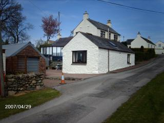 Netheryett Cottage and caravan overlooking the river urr with great views