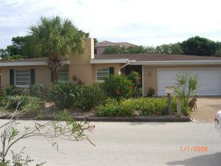 House on Canal/ Walk to Beach, Longboat Key