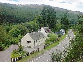 RiverView Cottage - Loch Ness