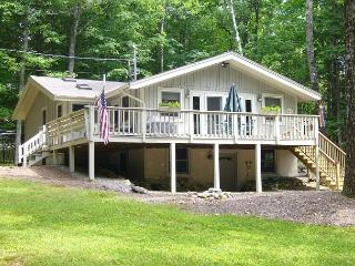 West Point On Lake Winnipesaukee 3 Bedrooms, Moultonborough